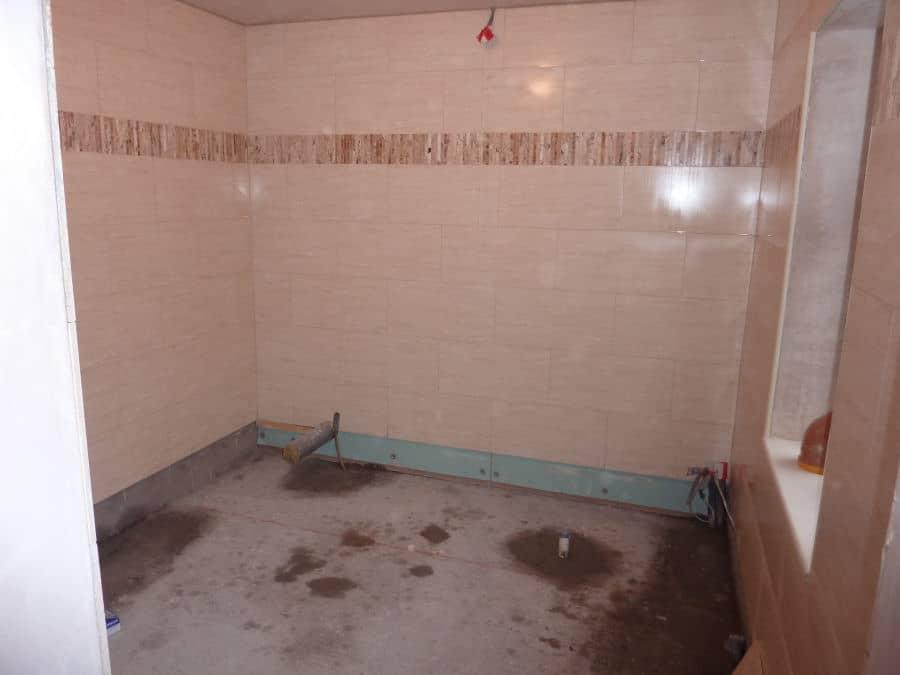 How to tile a bathroom 4