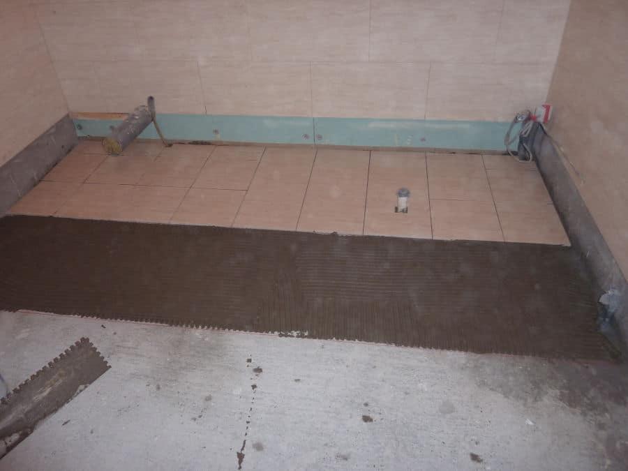 How to tile a bathroom 7