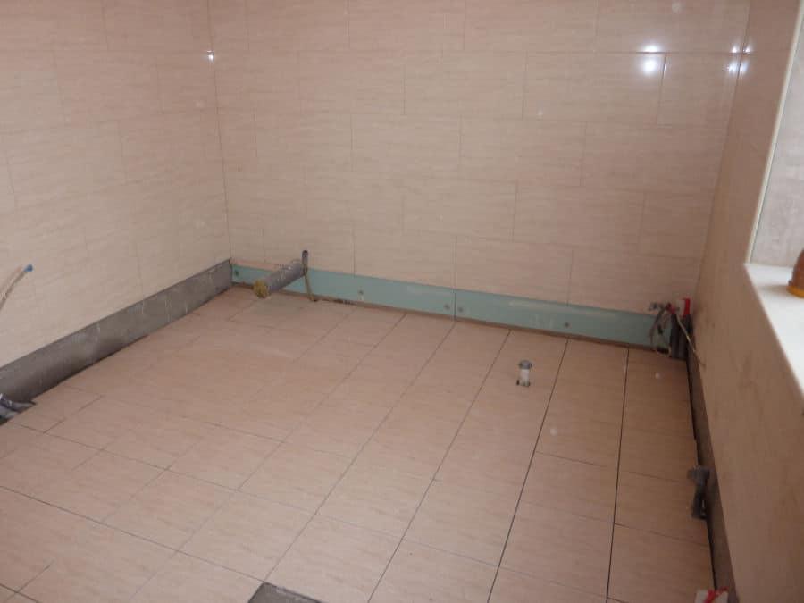 How to tile a bathroom 8