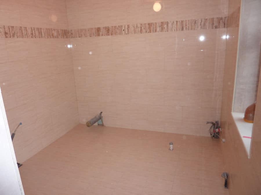 How to tile a bathroom 9