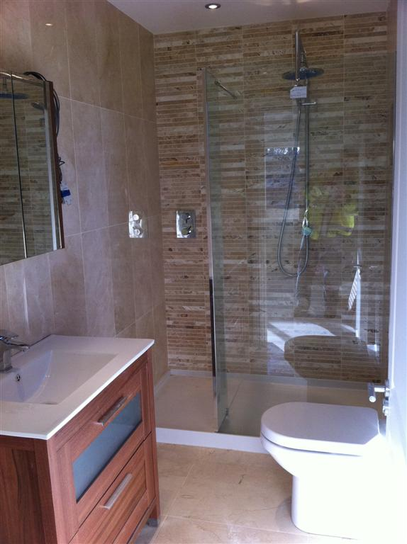 Travertine Tiler