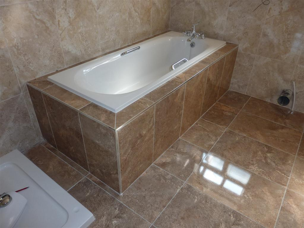 Boxing in tiling around a bath for Restroom tub