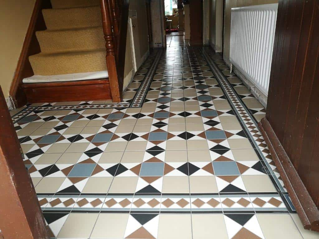 Pattern tiles in Durrow 3